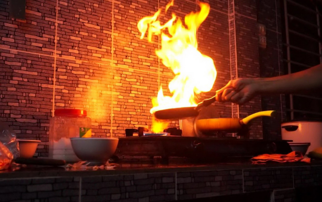 cháy nhà bếp