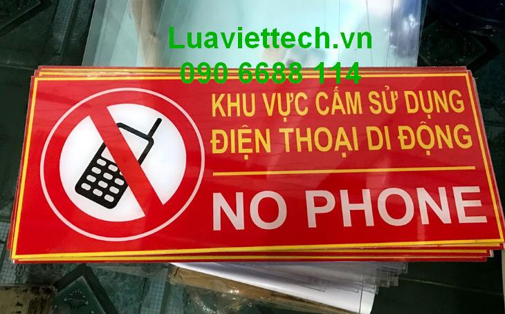 cấm điện thoại