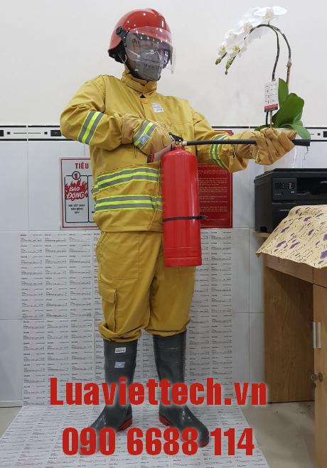 mặc quần áo chữa cháy tt48