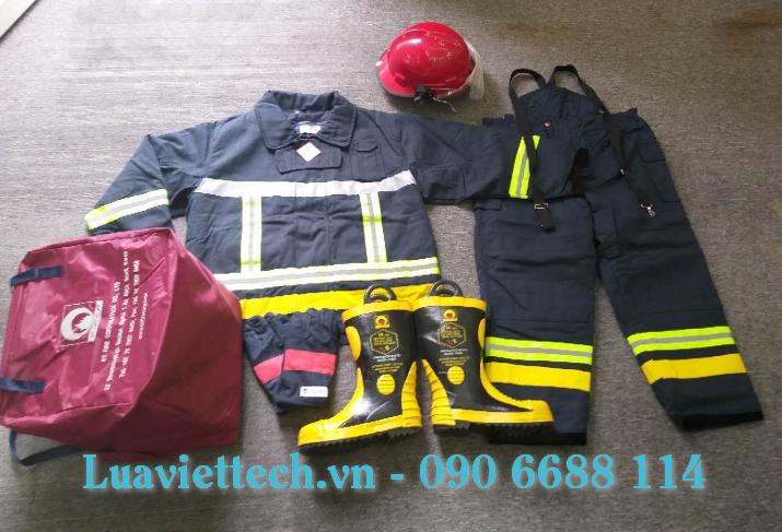 Quần và áo chữa cháy NOMEX chịu được nhiệt độ 500 độ C đến 700 độ C