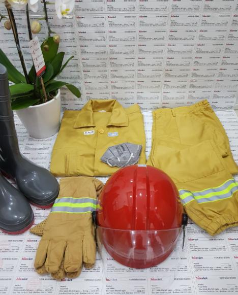 bộ trang phục chữa cháy đầy đủ