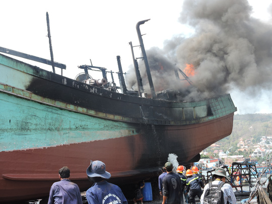 cháy tàu cá PCCC luaviettech