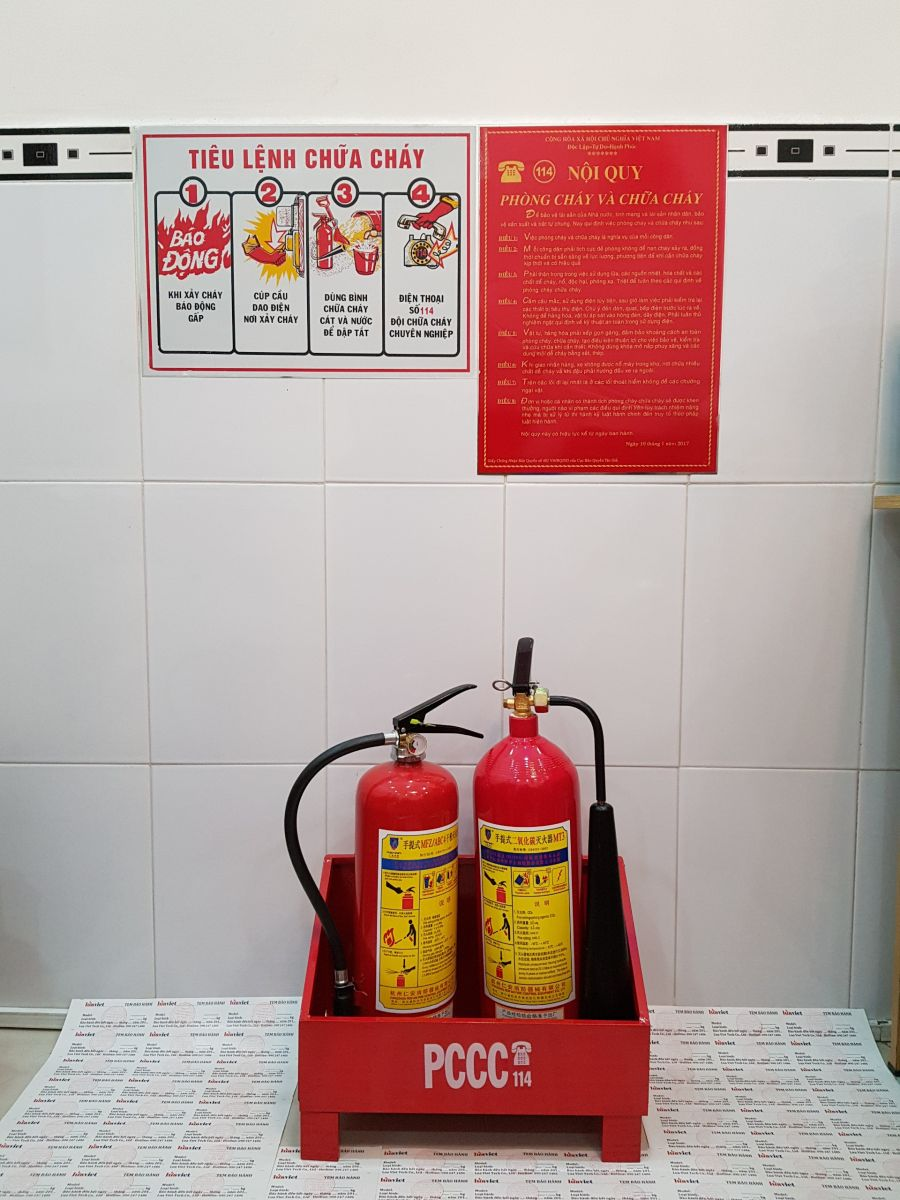 đặt bình chữa cháy tiêu chuẩn