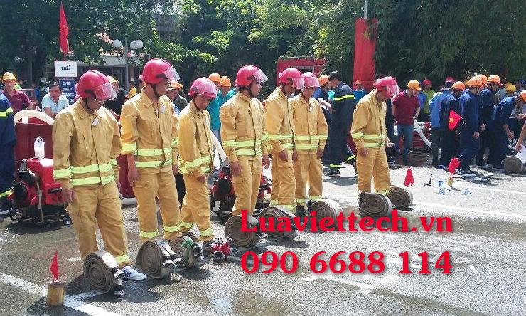 trang phục chữa cháy đúng chuẩn theo quy định